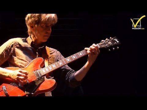 Eric Johnson - Interview & Live | MusicOff