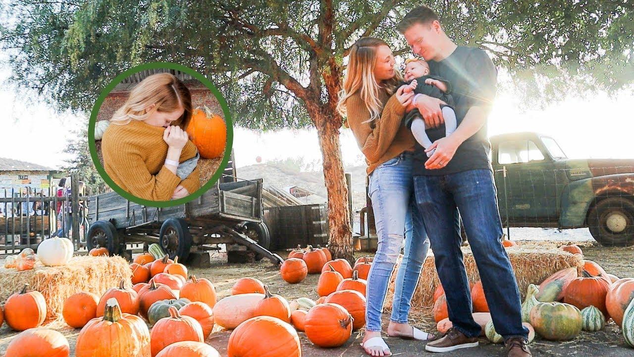 emma-s-first-pumpkin-patch-breastfeeding-in-public
