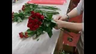 Флористика для начинающих: как составить букет из роз своими руками (мастер класс).(, 2014-12-20T07:23:32.000Z)