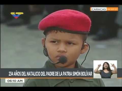 Niños interpretan a Bolívar y Chávez este 24 de Julio de 2017 en el Panteón Nacional