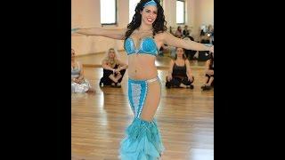 Nataly Hay Belly Dancer hosts Asi Haskal נטלי חי רקדנית בטן ואסי חסקל