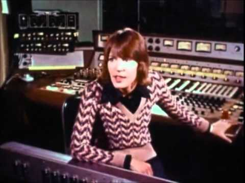 HELEN REDDY - VERY RARE INTERVIEW, LOVE SONG FOR JEFFREY LIVE IN RECORDING STUDIO