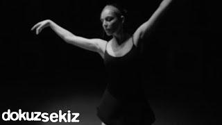 Cihan Mürtezaoğlu - Senin Adın Zambak (Lyric Video)