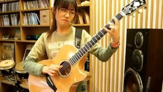 Cô Gái Xinh Đẹp chơi guitar điêu luyện