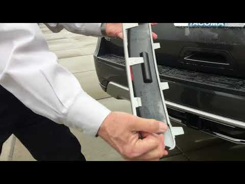 Ford Expedition 2018 Trailer Hitch Cover Removal