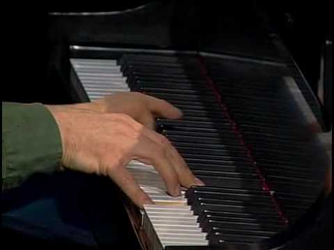Thanksgiving- Solo Pianist George Winston from his album DECEMBER