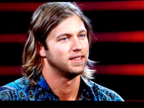 American Idol 2010 Top 24: Casey James Swepts Kara Off Her Feet