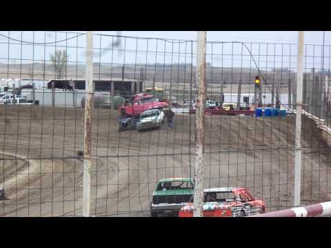100 1311 2015 03 09 Devils Lake Speedway Purestock Heat 1