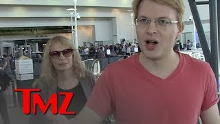 Ronan & Mia Farrow Slam Trump's Response to Slain Saudi Journalist Jamal Khashoggi | TMZ