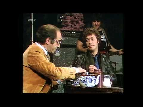 Tim Curry - Bio's Bahnhof 1979 - Interview - Great Quality!