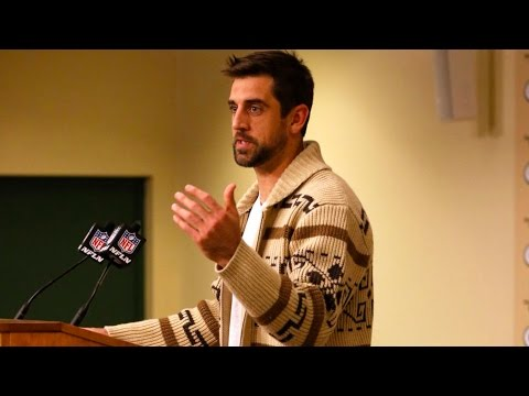 See Aaron Rodgers Do Presser As The Dude After Breaking Record!