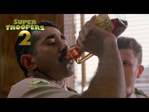 SUPER TROOPERS 2 I