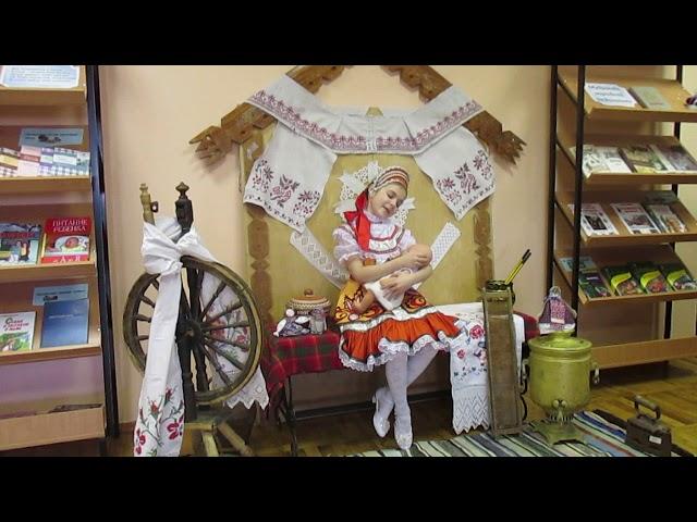 Изображение предпросмотра прочтения – ДарьяСорокина читает произведение «Пестушка» (Русский фольклор )