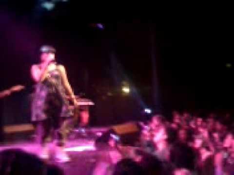 SMILE Lily Allen (clip) live at The Loft Atlanta 03.19.07