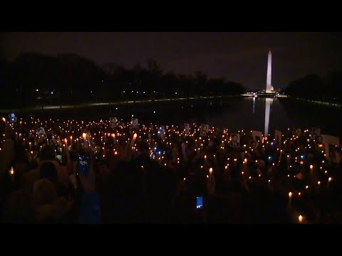 Hundreds hold Lincoln Memorial vigil in memory of man killed by police