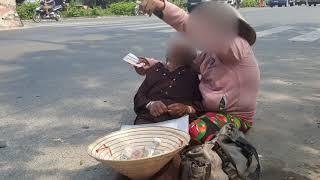 Cận cảnh anh xe ôm đối mặt với 2 người phụ nữ triệu view Giả bệnh ăn xin tiền ở Sài Gòn