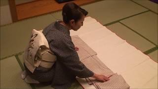 美しい立ち居振る舞い 着物のたたみ方 kimono thumbnail