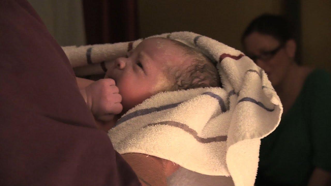 Extrait vid o accouchement en maison des naissances for Accouchement la maison
