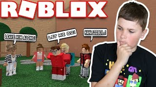 ROBLOX SAD BULLY STORY / FIRST DAY OF SCHOOL