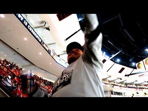 LA Kings troll at Chicago Blackhawks game