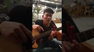 Tetap disini - Tri Suaka ( live langsung )