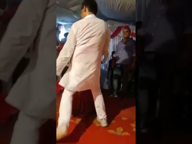 Gorakhpur samajwadiparty worker dance vedio viral in social media