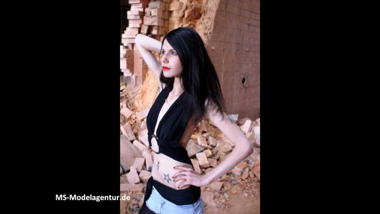 Model Belinda B.