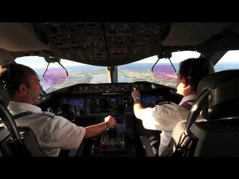 Cockpit View - Norwegian 787 Dreamliner Landing at Stockholm Arlanda
