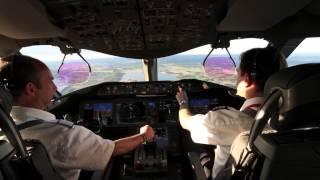 Cockpit View - Norwegian 787 Dreamliner Landing at Stockholm Arlanda thumbnail