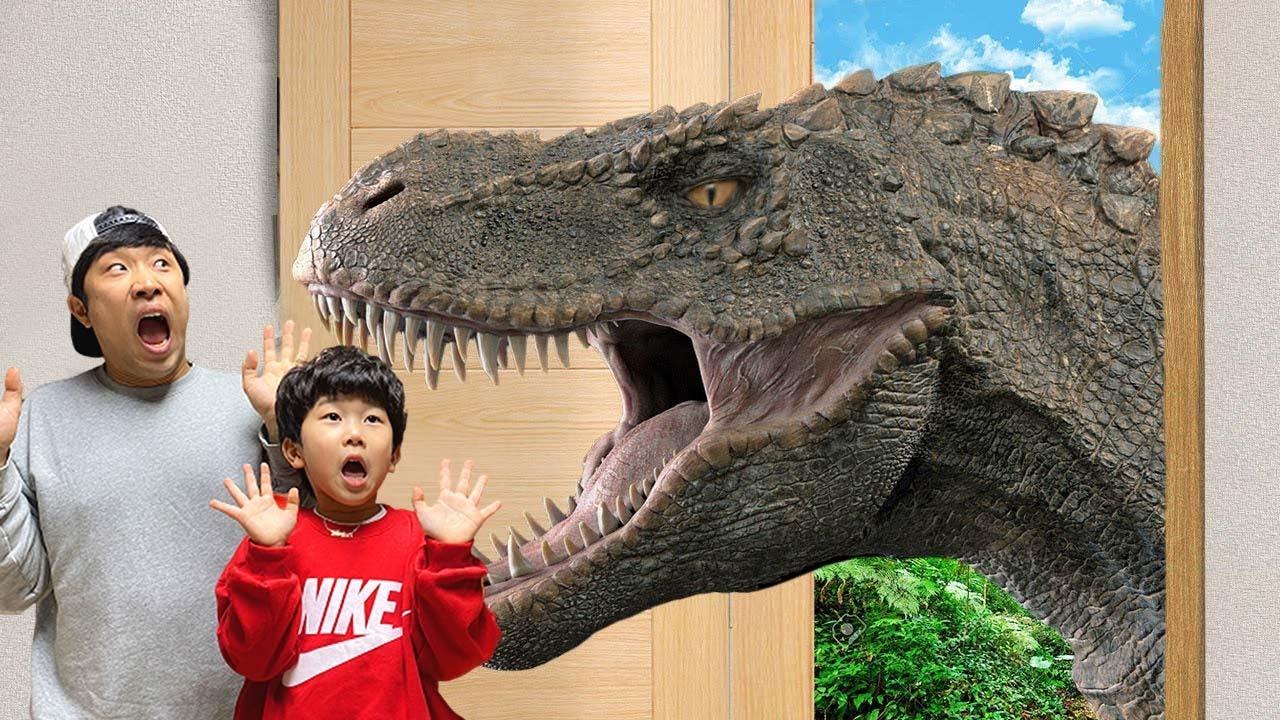 마법의 문을 열어보니? 공룡이 나타났다!!!상어 외계인 숨바꼭질  [JJuni Yuli Vlog 쭈니유리 브이로그]
