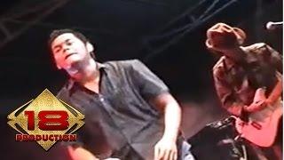 Konser Funky Kopral - Mawarku @Live Palu, 08 Juli 2006