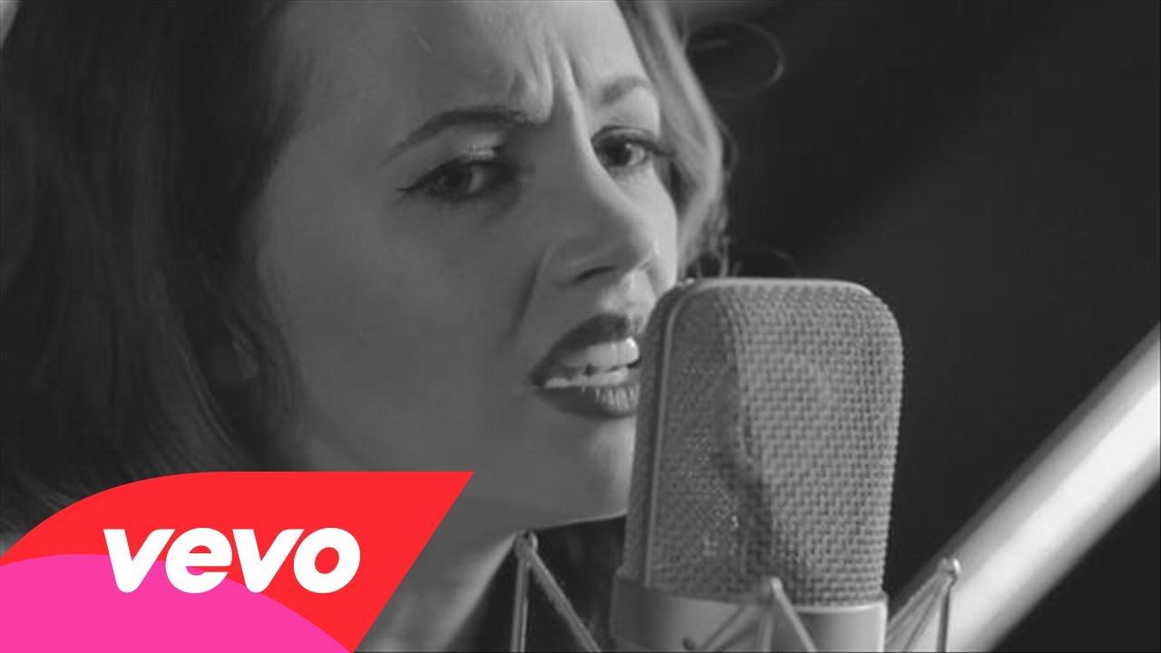 samantha-jade-firestarter-acoustic-video-samanthajadeauvevo