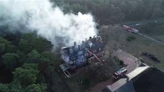 Pożar pałacu pod Krosnem Odrzańskim. Spłonęło poddasze