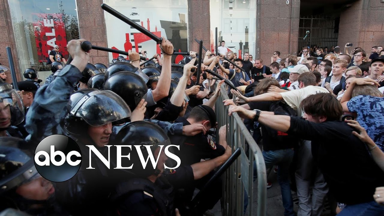 Protesters in Moscow, volcano eruption and taekwondo match: World in Photos, July 29
