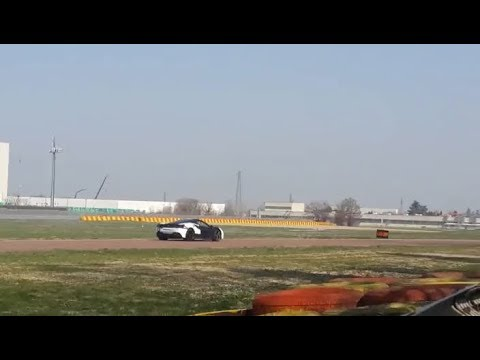 #Z60 - Nieuwe Ferrari lust voor het oor...maar dan anders.