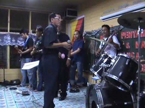 Zero D'Fect - Biar Mati Di Tangan Sulu (Live at Nanga Pedai)