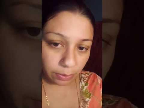 House wife singing awsam song