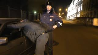 Пьяный бегун на БМВ спрыгнул в овраг, Спасская-Горбачева. Место происшествия 07.11.2017