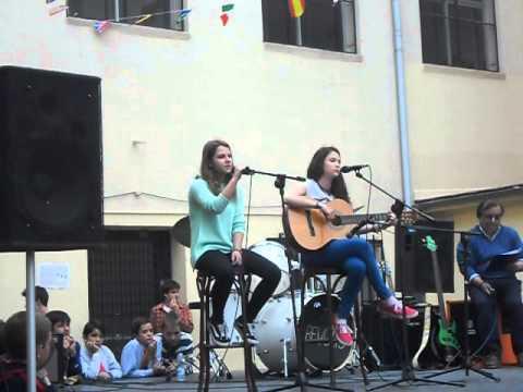 Paula e Inés. CBC karaoke 2013.