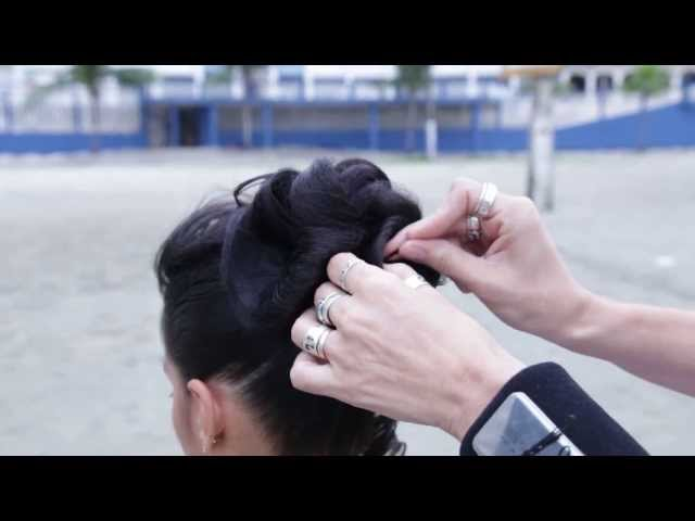Penteado com uso de rede invisivel, peinado facile, hairdo Travel Video