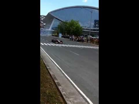 Lotus F1 demo run at mall of asia