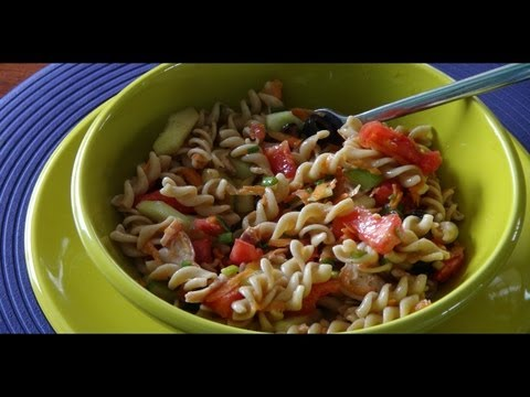 How to Make a Healthy Pasta Salad with Chicken (or not)