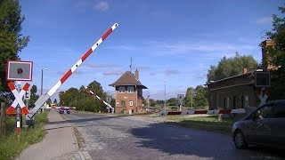 Spoorwegovergang Malchow (D) // Railroad crossing // Bahnübergang