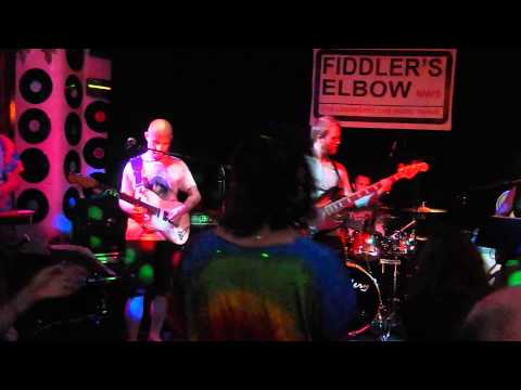 COSMIC CHARLIES LONDON FIDDLERS ELBOW CAMDEN PART 2 OF THE JERRY GARCIA CELEBRATION CONCERT