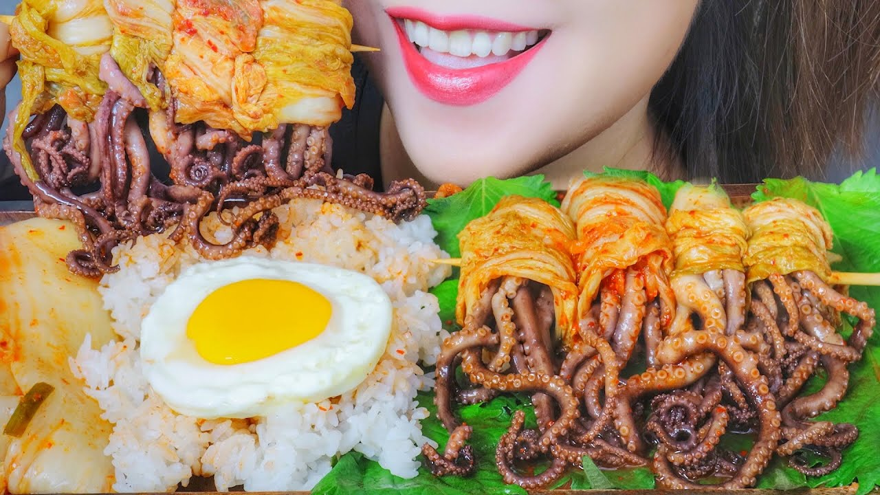 ASMR EATING WRAPPED KIMCHI WITH OCTOPUS E, ATING SOUNDS   LINH-ASMR