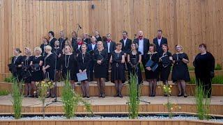 Koncert piosenek XX lecia Międzywojennego w rzekuńskiej tężni