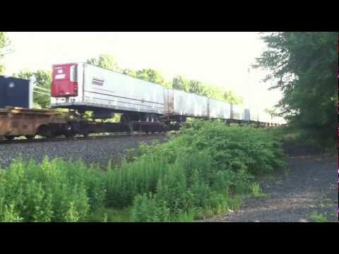 CSX ES44-DC Leads Freight through Central Jersey [HD]