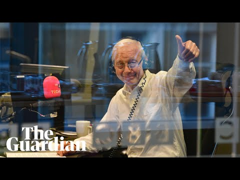 John Humphrys signs off for the last time after 32 years on Today programme