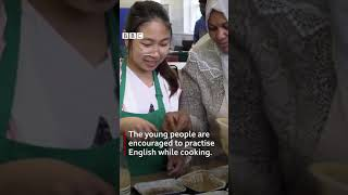 Cookery class brings young asylum seekers together - BBC NEWS