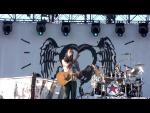 Michael Franti & Spearhead @ Coachella 2009: Say Hey I Love You